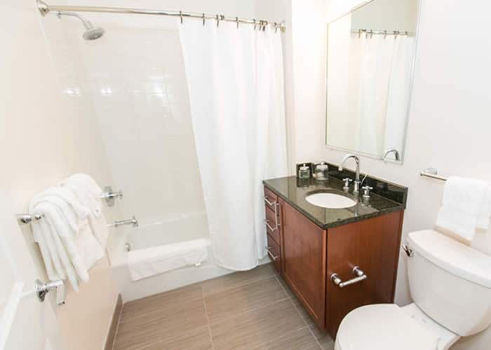 Federal Hill Baltimore apartment bathrooms