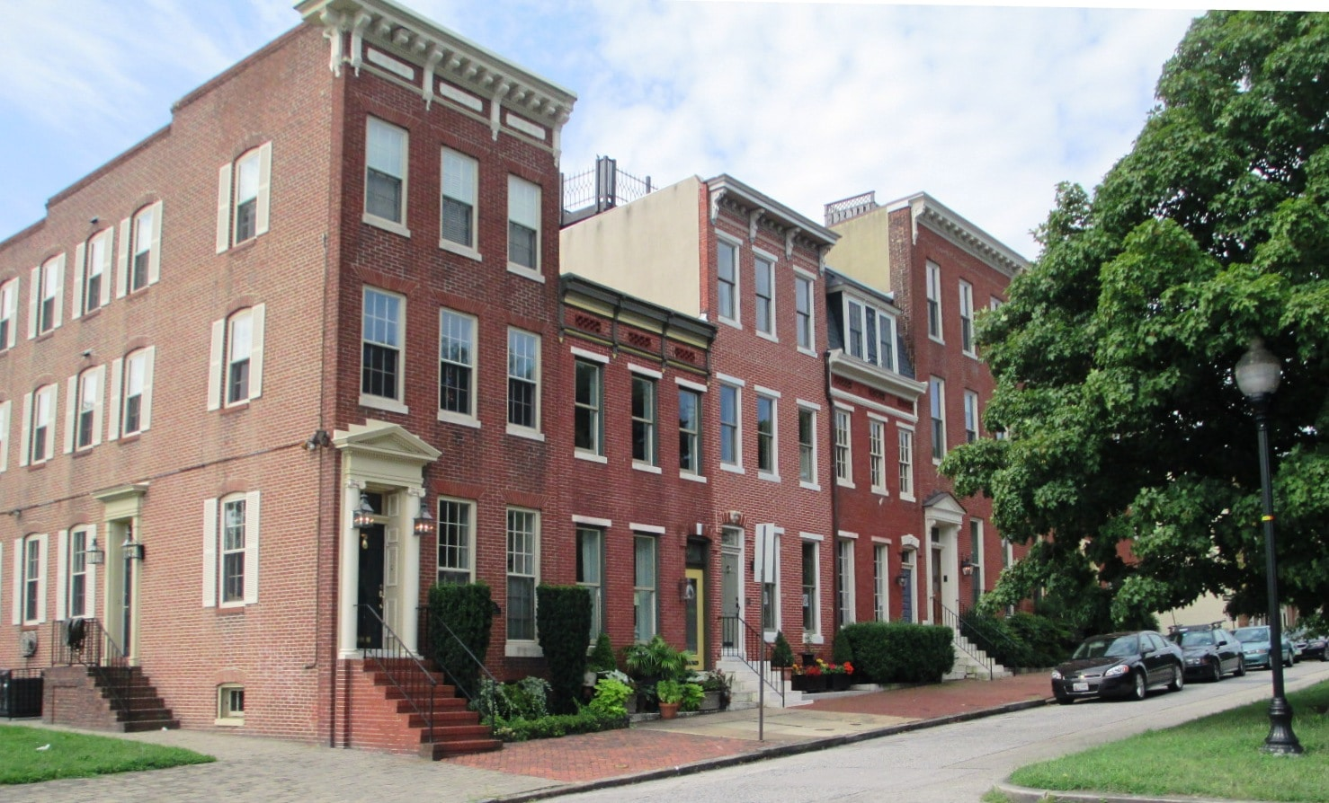 federal hill - Homes overlooking park